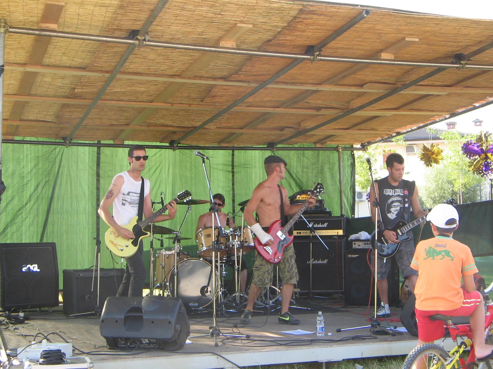 Area giovani1-Musica di giorno