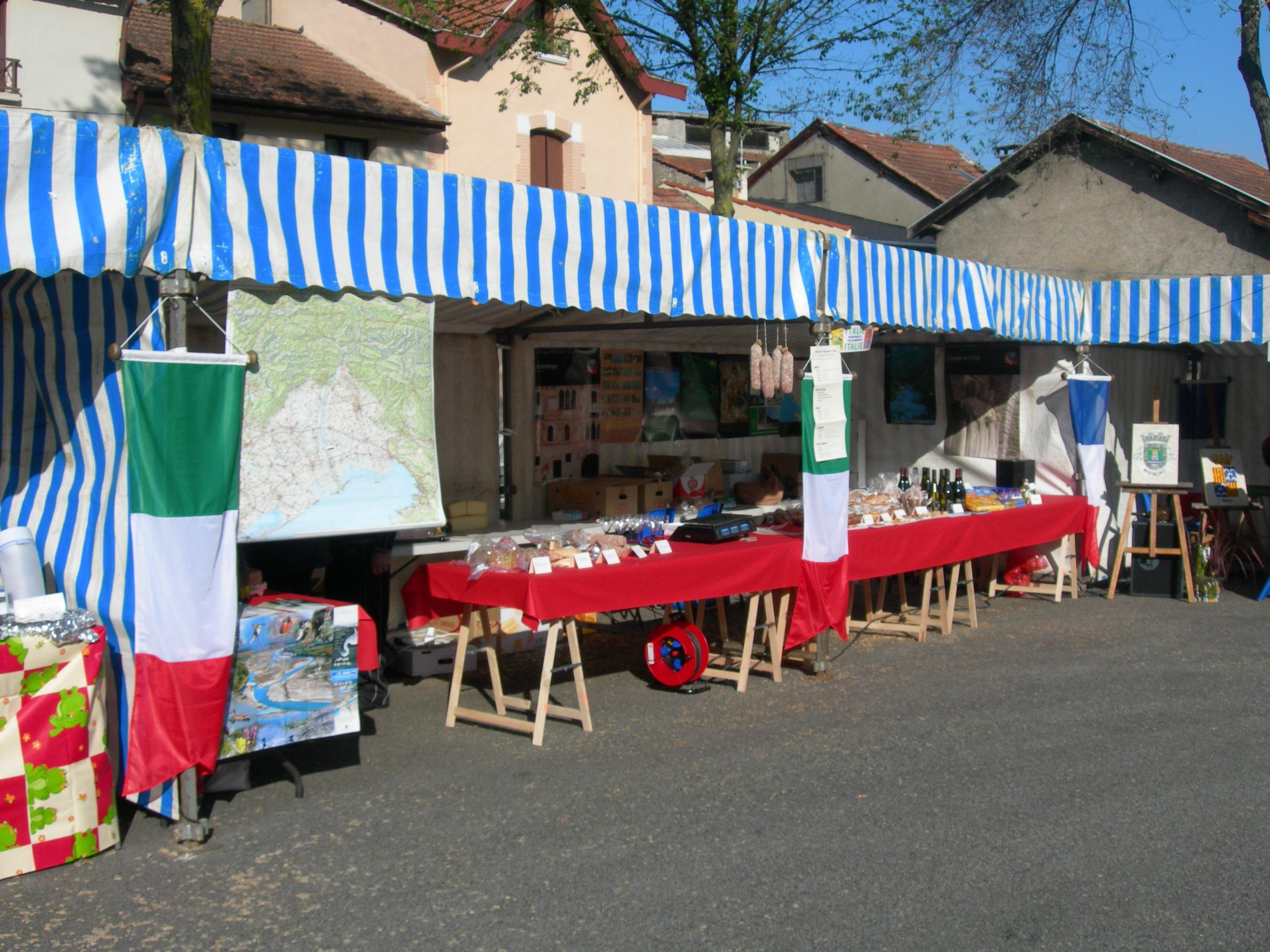 Tarascon2-La bacarella di Morsano con prodotti tipici locali 2010
